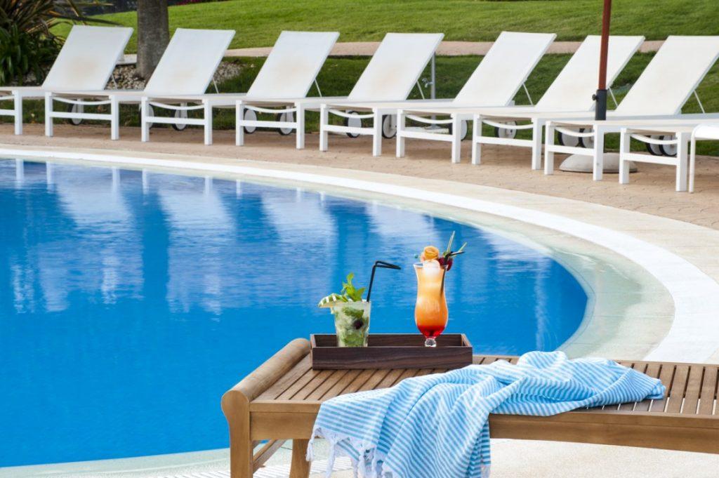 https://golftravelpeople.com/wp-content/uploads/2019/04/Precise-Resort-El-Rompido-Swimming-Pools-1-1024x681.jpg