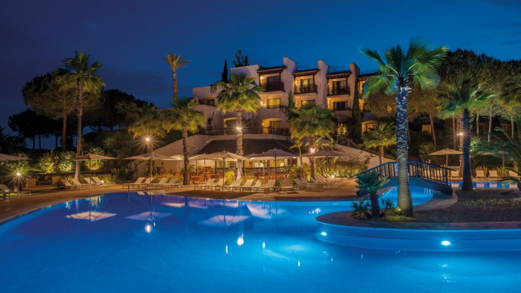 https://golftravelpeople.com/wp-content/uploads/2019/04/Precise-Resort-El-Rompido-Swimming-Pools-2-1024x576.jpg