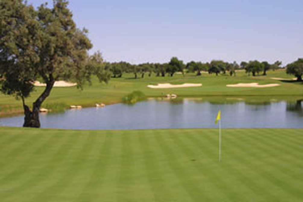 https://golftravelpeople.com/wp-content/uploads/2019/04/Quinta-da-Cima-Golf-Club-8.jpg