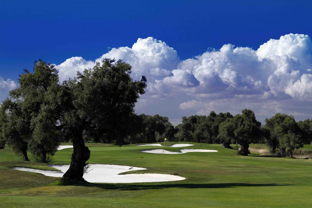 https://golftravelpeople.com/wp-content/uploads/2019/04/Quinta-da-Cima-Golf-Club-New-36-1024x683.jpg