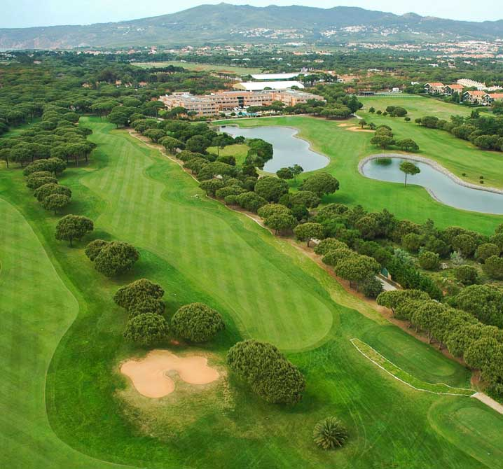 https://golftravelpeople.com/wp-content/uploads/2019/04/Quinta-da-Marinha-Golf-Club-10.jpg