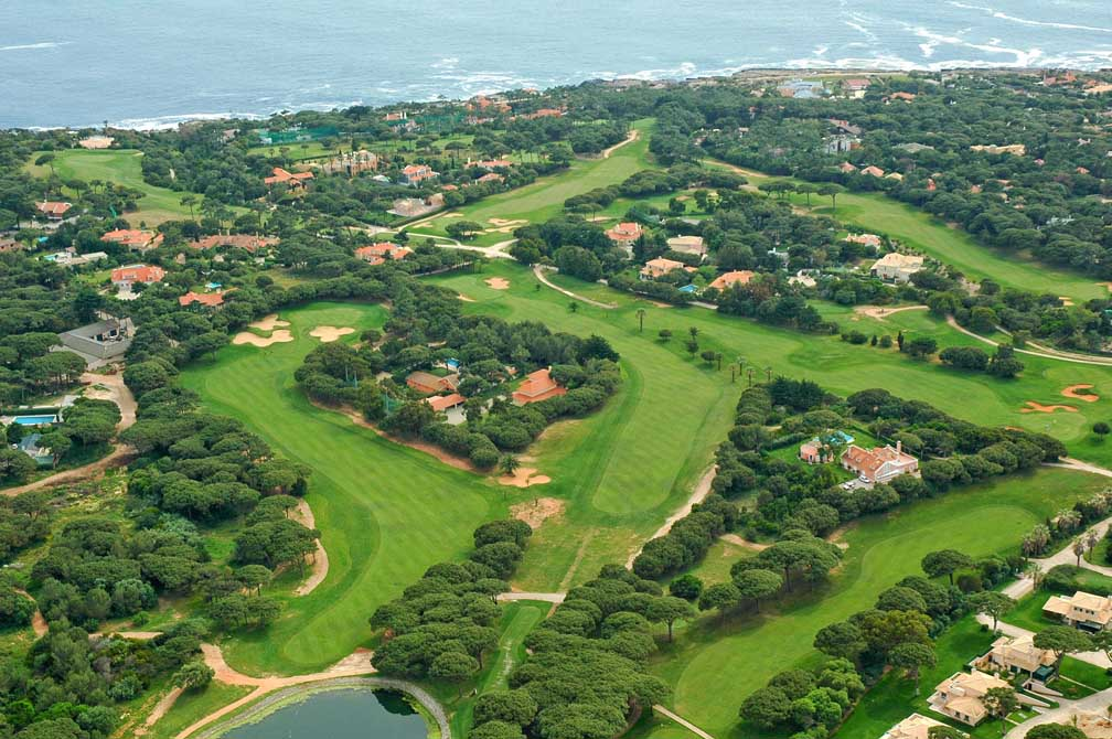 https://golftravelpeople.com/wp-content/uploads/2019/04/Quinta-da-Marinha-Golf-Club-11.jpg