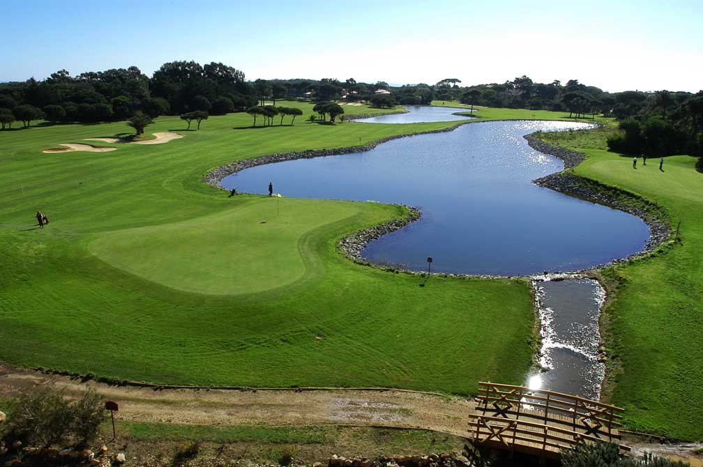 https://golftravelpeople.com/wp-content/uploads/2019/04/Quinta-da-Marinha-Golf-Club-15.jpg