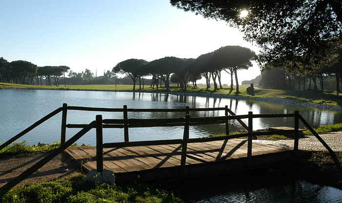 https://golftravelpeople.com/wp-content/uploads/2019/04/Quinta-da-Marinha-Golf-Club-51.jpg