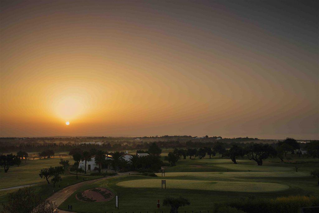 https://golftravelpeople.com/wp-content/uploads/2019/04/Quinta-da-Ria-Golf-Club-New-17-1024x683.jpg