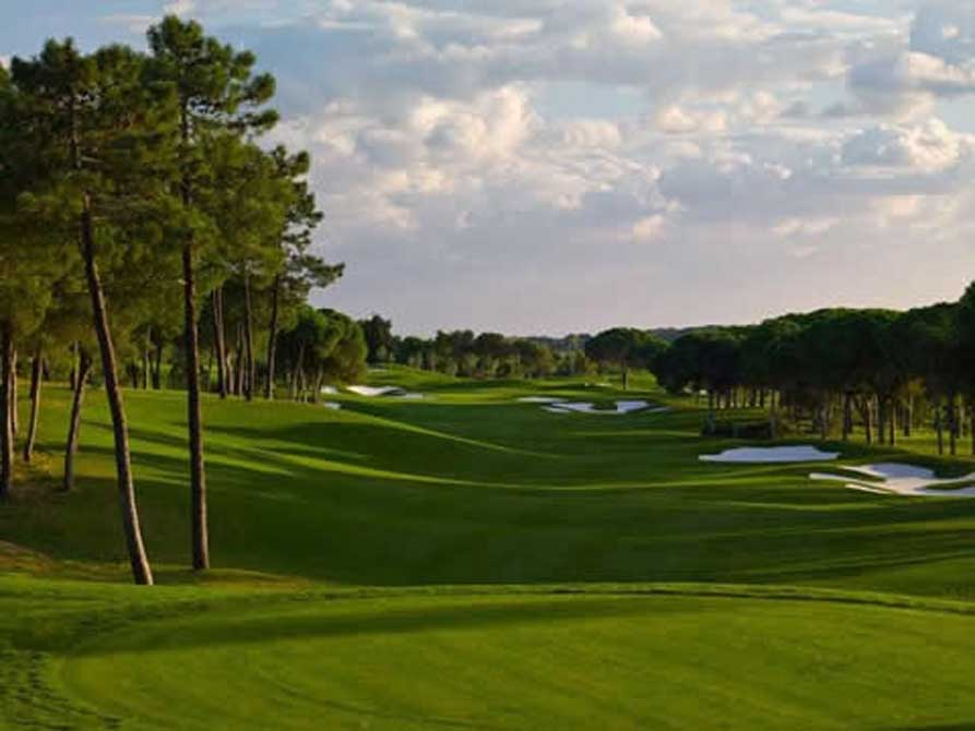 https://golftravelpeople.com/wp-content/uploads/2019/04/Quinta-do-Lago-Golf-Club-Laranjal-1.jpg