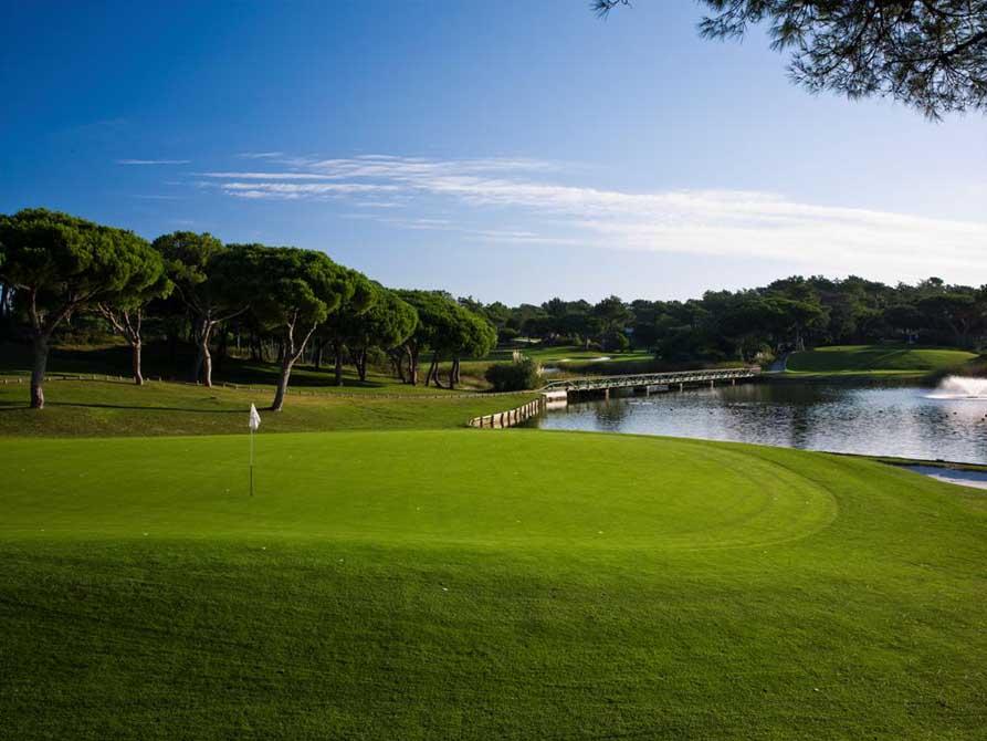 https://golftravelpeople.com/wp-content/uploads/2019/04/Quinta-do-Lago-Golf-Club-South-10.jpg