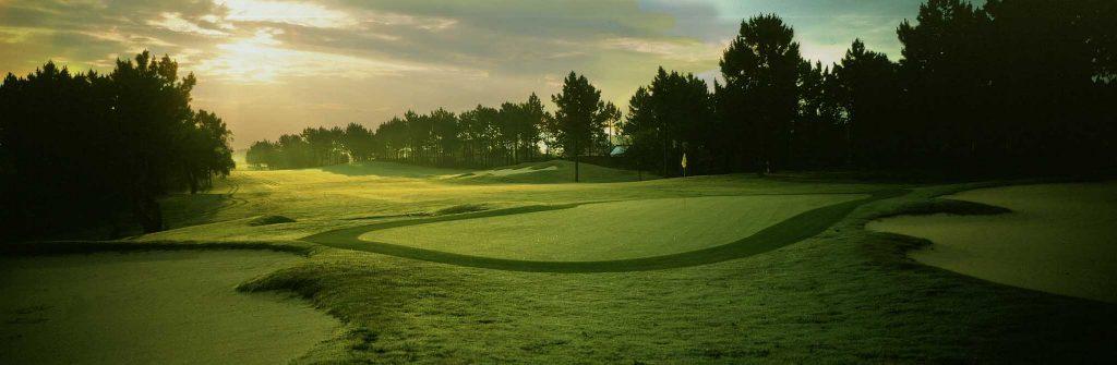https://golftravelpeople.com/wp-content/uploads/2019/04/Quinta-do-Peru-Golf-Club-3-1024x335.jpg