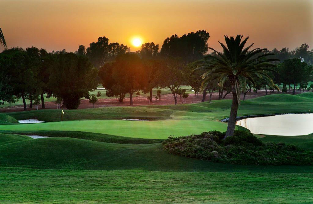 https://golftravelpeople.com/wp-content/uploads/2019/04/Real-Club-Seville-15-1024x667.jpeg
