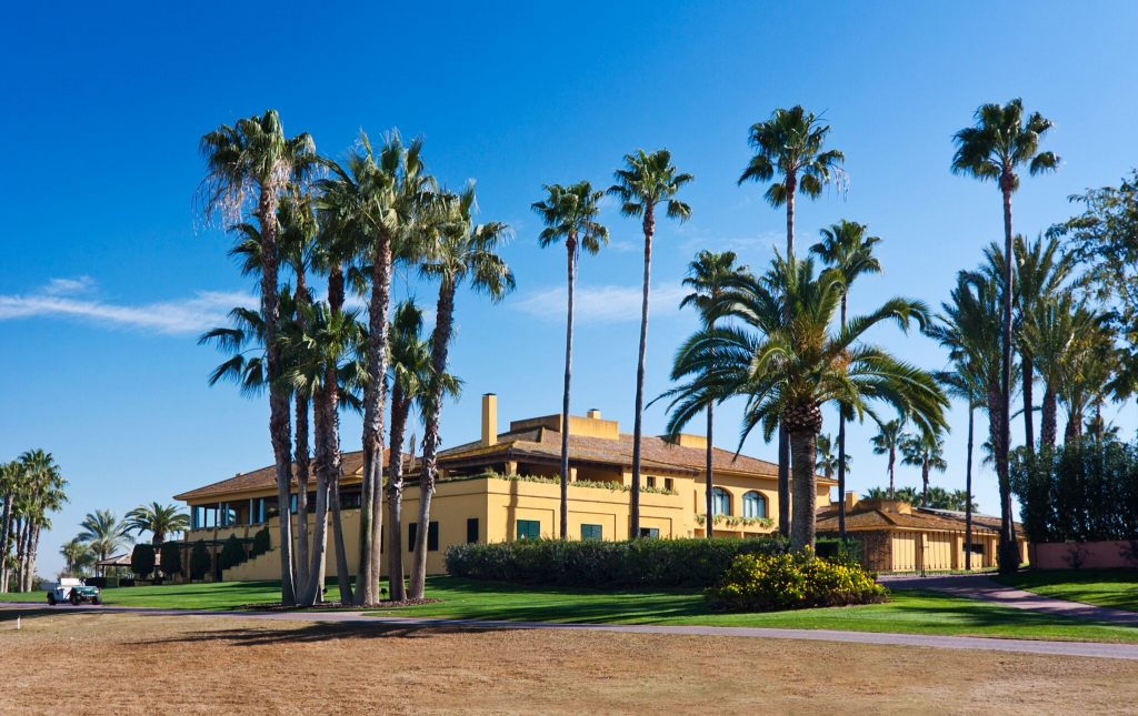 https://golftravelpeople.com/wp-content/uploads/2019/04/Real-Club-Seville-2-1024x645.jpeg