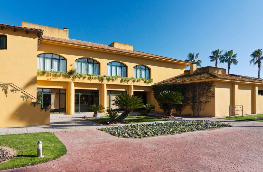 https://golftravelpeople.com/wp-content/uploads/2019/04/Real-Club-Seville-5-1024x672.jpeg