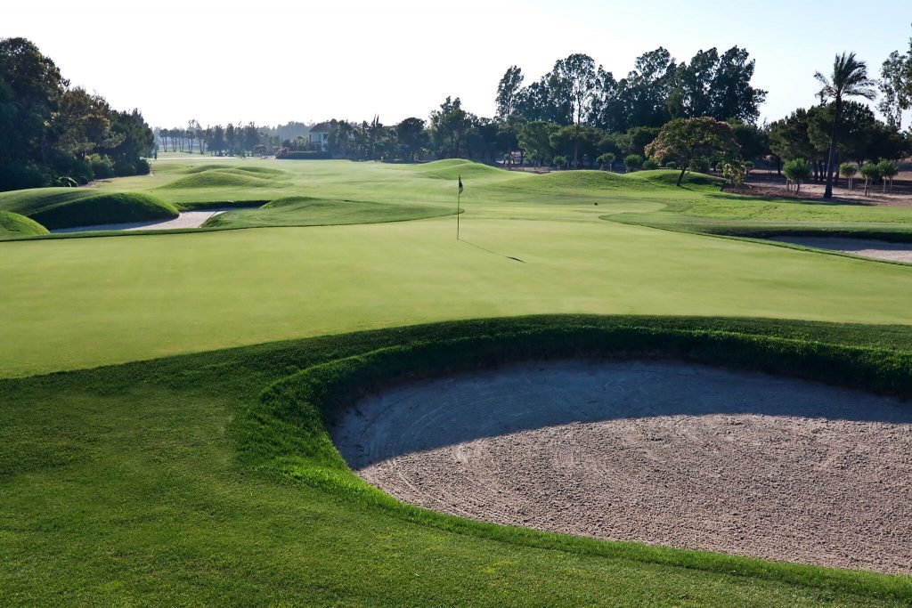 https://golftravelpeople.com/wp-content/uploads/2019/04/Real-Club-Seville-6-1024x683.jpeg