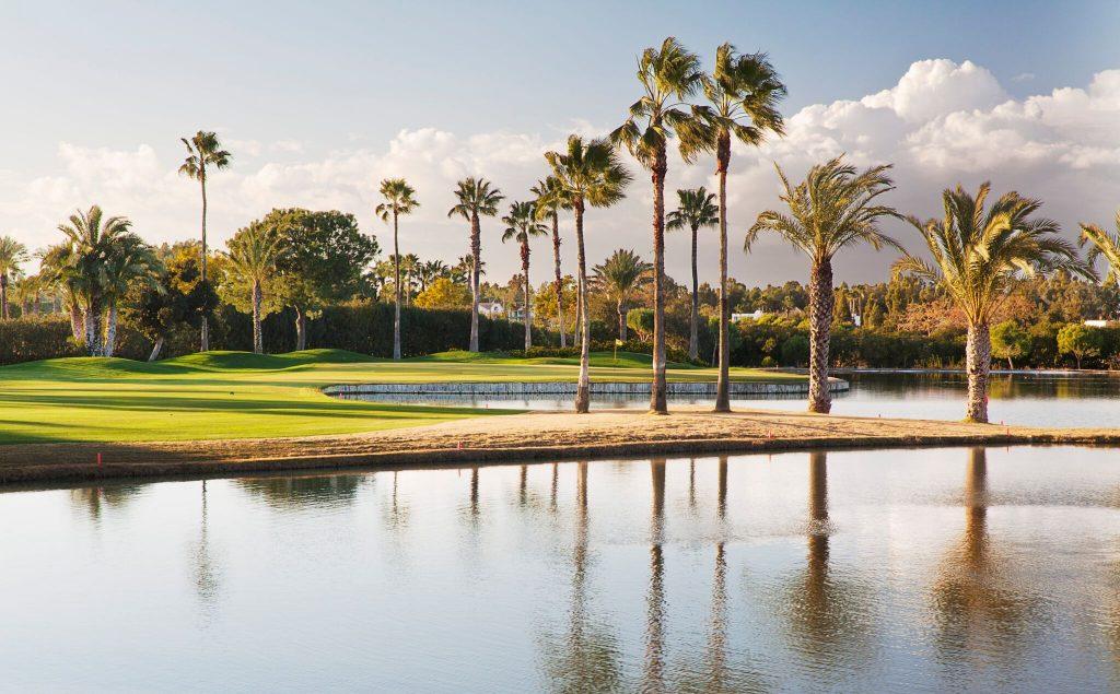 https://golftravelpeople.com/wp-content/uploads/2019/04/Real-Club-Seville-9-1024x635.jpeg
