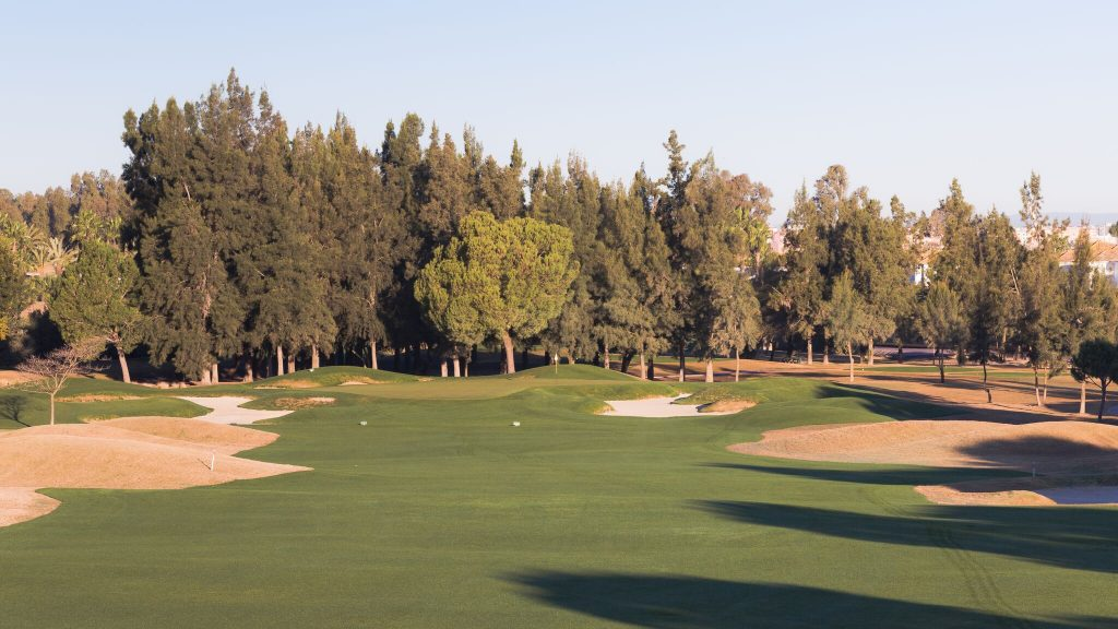 https://golftravelpeople.com/wp-content/uploads/2019/04/Real-Club-Seville-Winter-Conditions-10-1024x576.jpeg