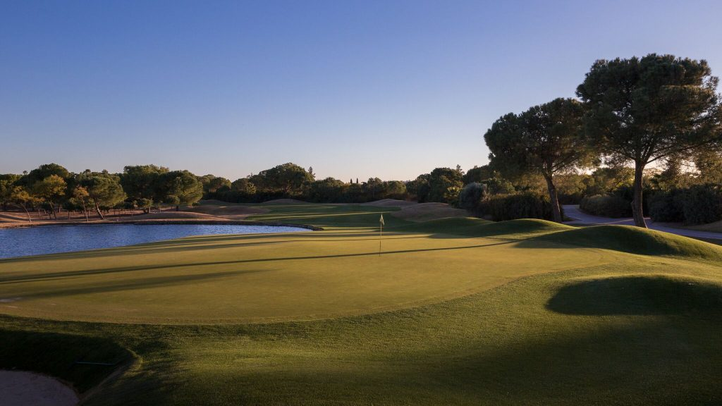https://golftravelpeople.com/wp-content/uploads/2019/04/Real-Club-Seville-Winter-Conditions-14-1024x576.jpeg