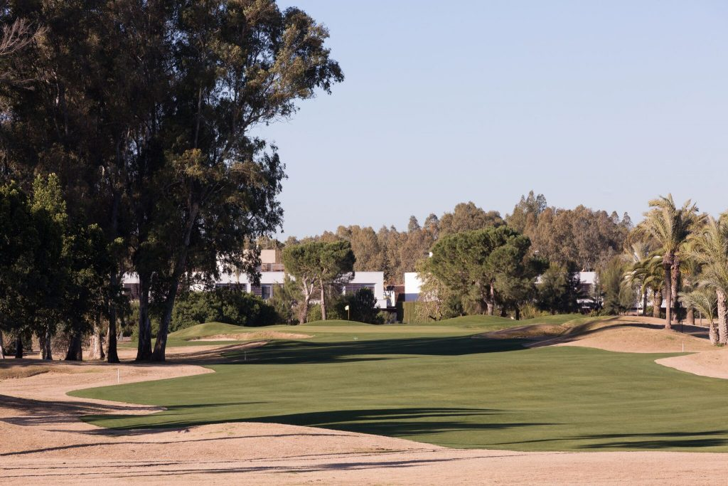 https://golftravelpeople.com/wp-content/uploads/2019/04/Real-Club-Seville-Winter-Conditions-19-1024x683.jpeg