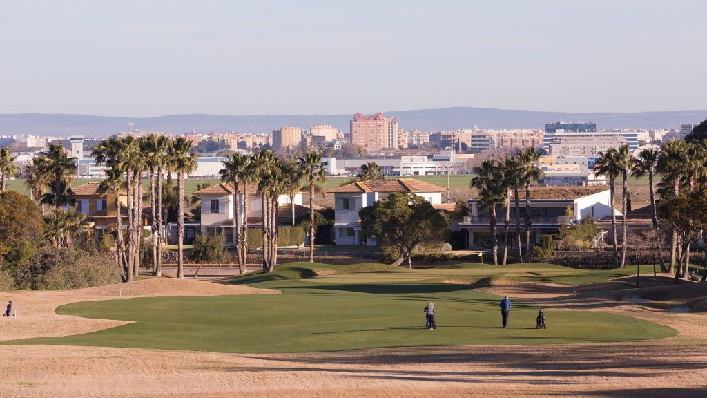 https://golftravelpeople.com/wp-content/uploads/2019/04/Real-Club-Seville-Winter-Conditions-7-1024x576.jpeg