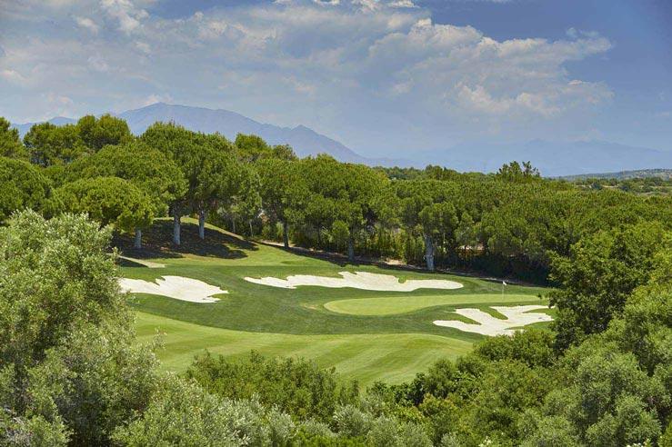 https://golftravelpeople.com/wp-content/uploads/2019/04/Real-Club-Valderrama-10.jpg