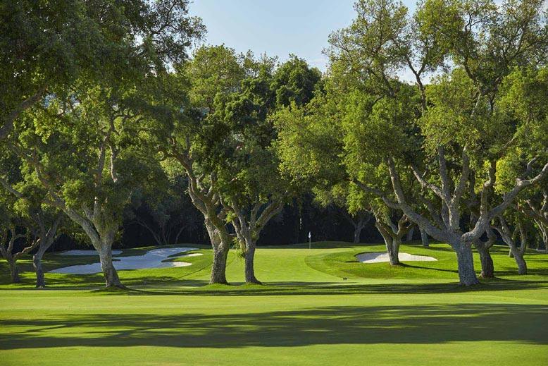 https://golftravelpeople.com/wp-content/uploads/2019/04/Real-Club-Valderrama-12.jpg