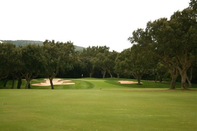 https://golftravelpeople.com/wp-content/uploads/2019/04/Real-Club-Valderrama-3.jpg