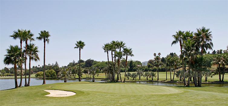 https://golftravelpeople.com/wp-content/uploads/2019/04/Real-Club-de-Sotogrande-2.jpg