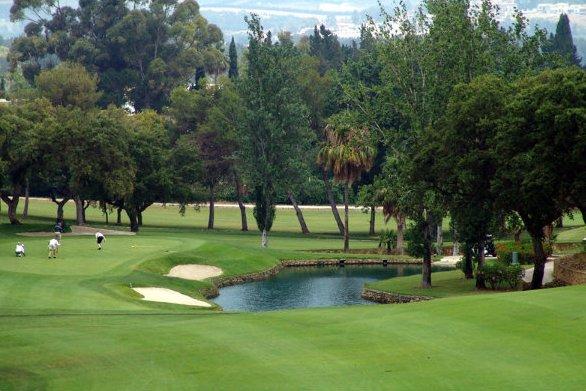 https://golftravelpeople.com/wp-content/uploads/2019/04/Real-Club-de-Sotogrande-3.jpg