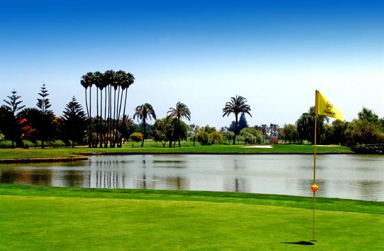 https://golftravelpeople.com/wp-content/uploads/2019/04/Real-Club-de-Sotogrande-4.jpg