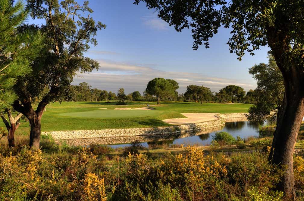 https://golftravelpeople.com/wp-content/uploads/2019/04/Riba-Golfe-1-1.jpg