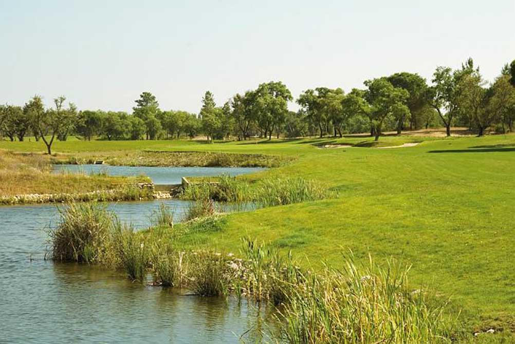 https://golftravelpeople.com/wp-content/uploads/2019/04/Riba-Golfe-1-15.jpg