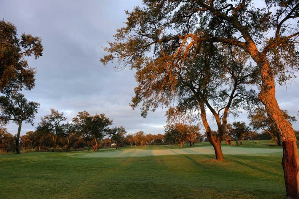 https://golftravelpeople.com/wp-content/uploads/2019/04/Riba-Golfe-1-36.jpg