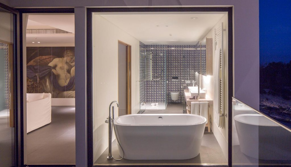 https://golftravelpeople.com/wp-content/uploads/2019/04/Royal-Obidos-Evolutee-Hotel-9-1024x587.jpg