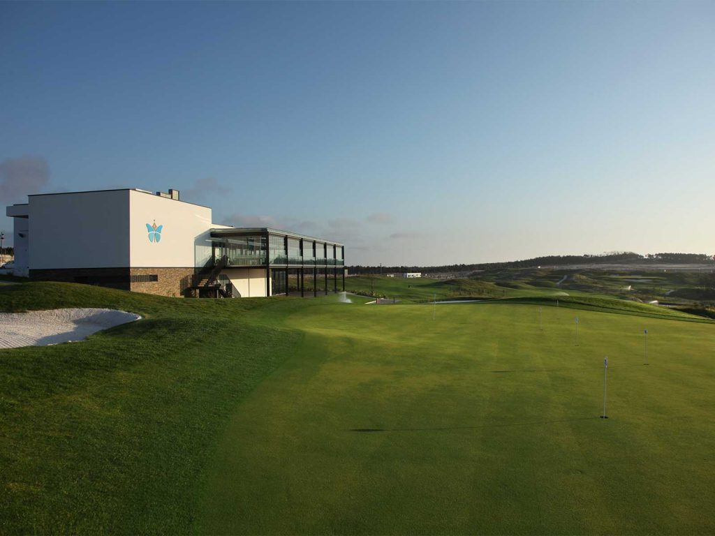 https://golftravelpeople.com/wp-content/uploads/2019/04/Royal-Obidos-Golf-Club-1-1024x768.jpg
