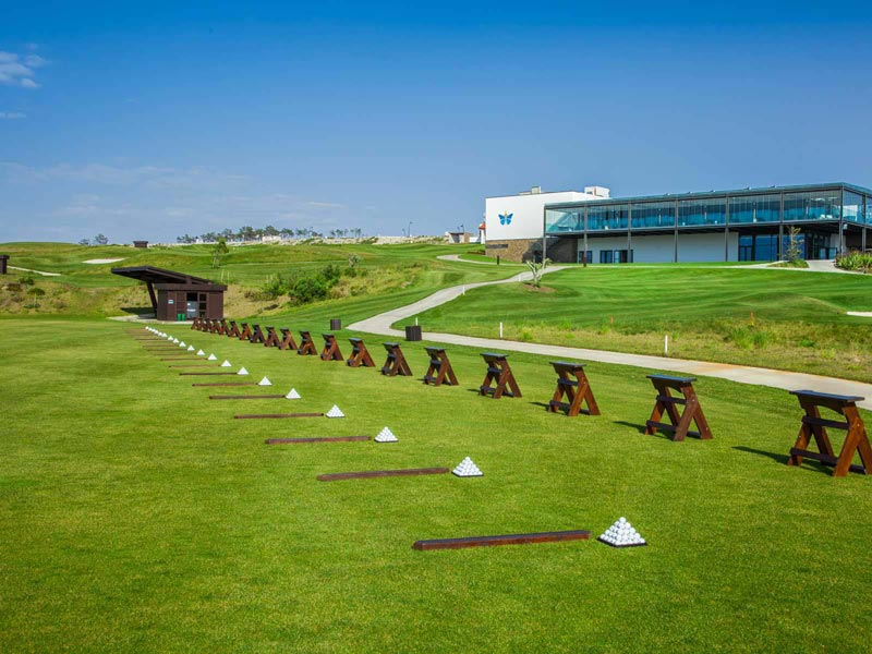 https://golftravelpeople.com/wp-content/uploads/2019/04/Royal-Obidos-Golf-Club-6.jpg