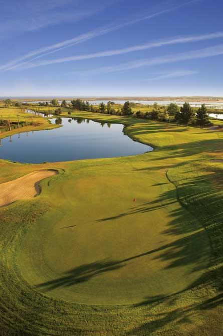 https://golftravelpeople.com/wp-content/uploads/2019/04/Salgados-Golf-Club-3.jpg