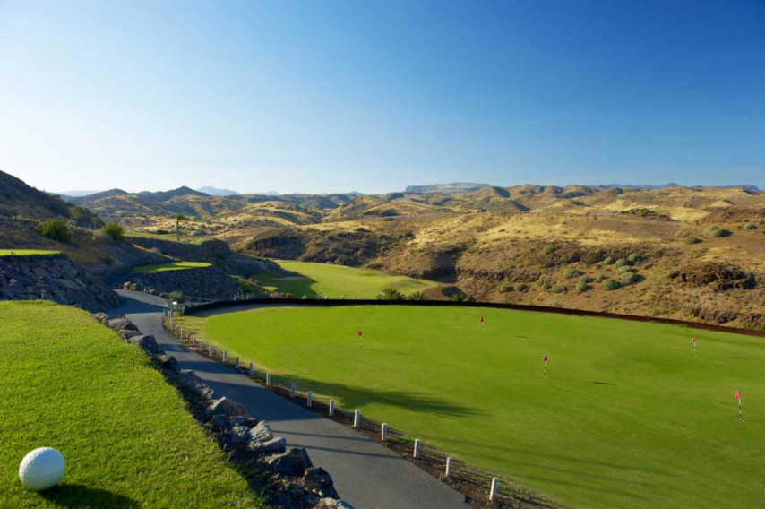 https://golftravelpeople.com/wp-content/uploads/2019/04/Salobre-Golf-North-Course-Gran-Canaria-2.jpg
