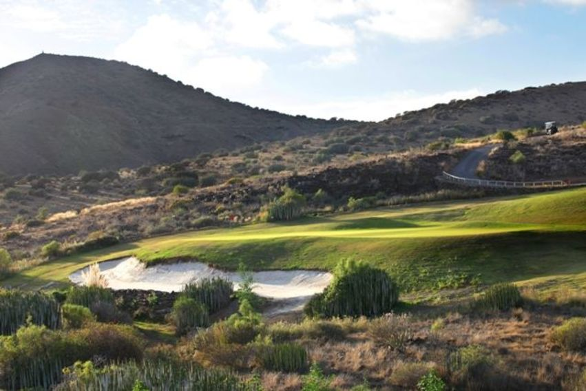 https://golftravelpeople.com/wp-content/uploads/2019/04/Salobre-Golf-North-Course-Gran-Canaria-5.jpg