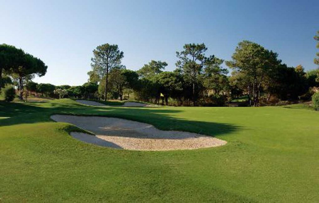 https://golftravelpeople.com/wp-content/uploads/2019/04/San-Lorenzo-Golf-Club-2-1024x651.jpg