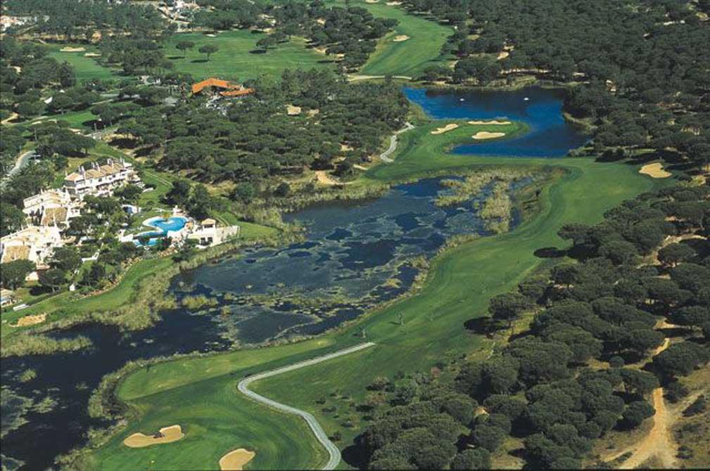 https://golftravelpeople.com/wp-content/uploads/2019/04/San-Lorenzo-Golf-Club-28.jpg