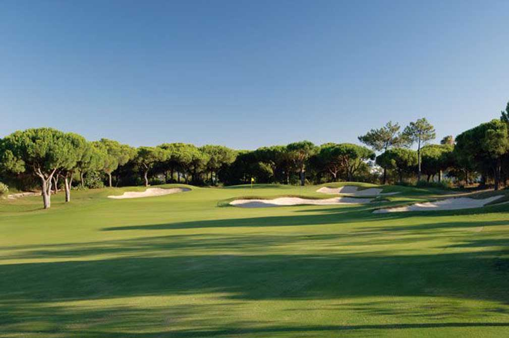 https://golftravelpeople.com/wp-content/uploads/2019/04/San-Lorenzo-Golf-Club-7.jpg