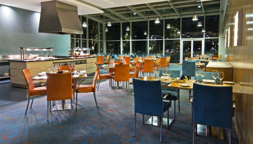 https://golftravelpeople.com/wp-content/uploads/2019/04/Sana-Malhoa-Hotel-Lisbon-4-1024x585.jpg