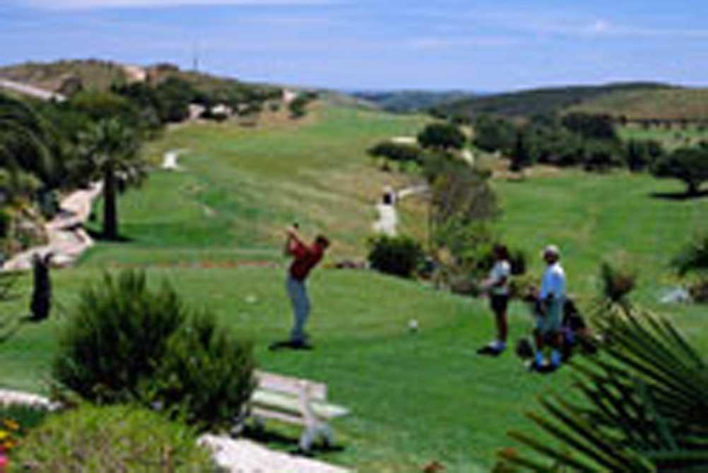 https://golftravelpeople.com/wp-content/uploads/2019/04/Santo-Antonio-Golf-Club-6.jpg