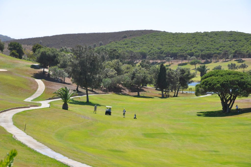 https://golftravelpeople.com/wp-content/uploads/2019/04/Santo-Antonio-Golf-Club-Algarve-Portugal-17-1024x680.jpg