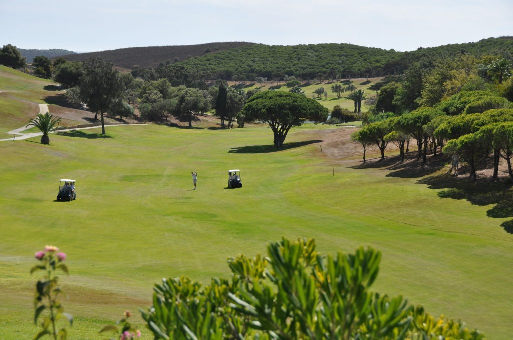 https://golftravelpeople.com/wp-content/uploads/2019/04/Santo-Antonio-Golf-Club-Algarve-Portugal-18-1024x680.jpg