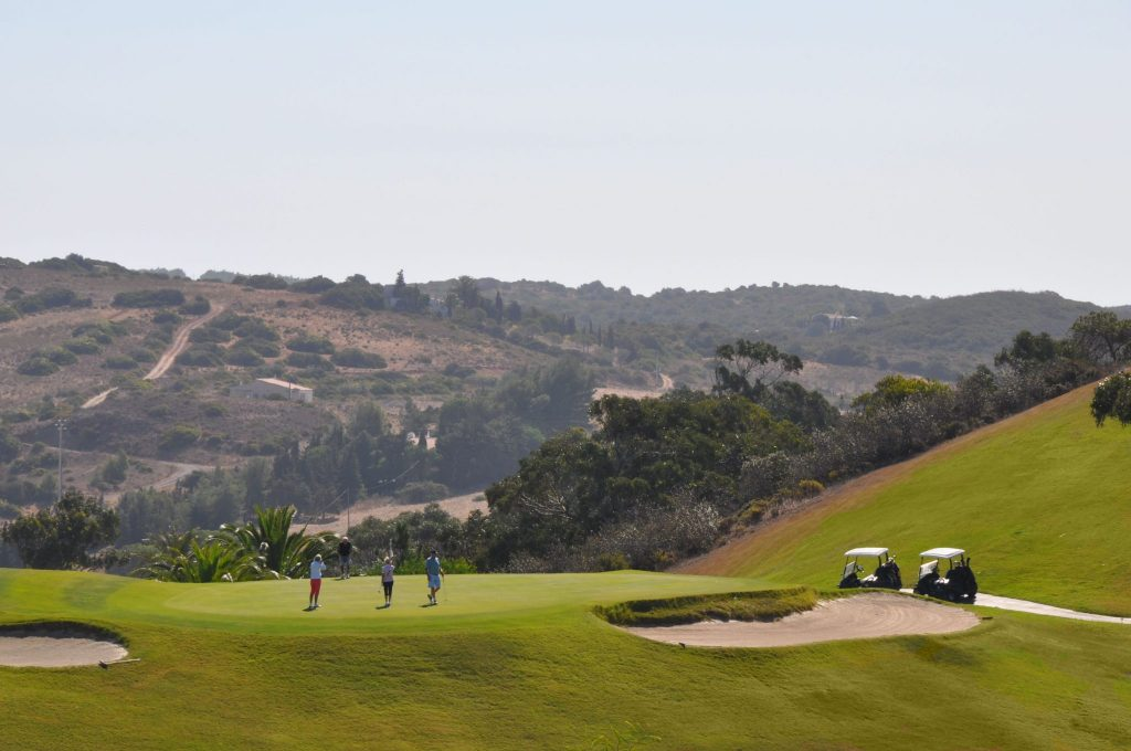 https://golftravelpeople.com/wp-content/uploads/2019/04/Santo-Antonio-Golf-Club-Algarve-Portugal-21-1024x680.jpg