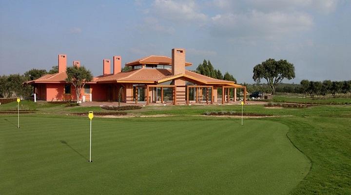 https://golftravelpeople.com/wp-content/uploads/2019/04/Santo-Estevao-Golf-Club-5.jpg