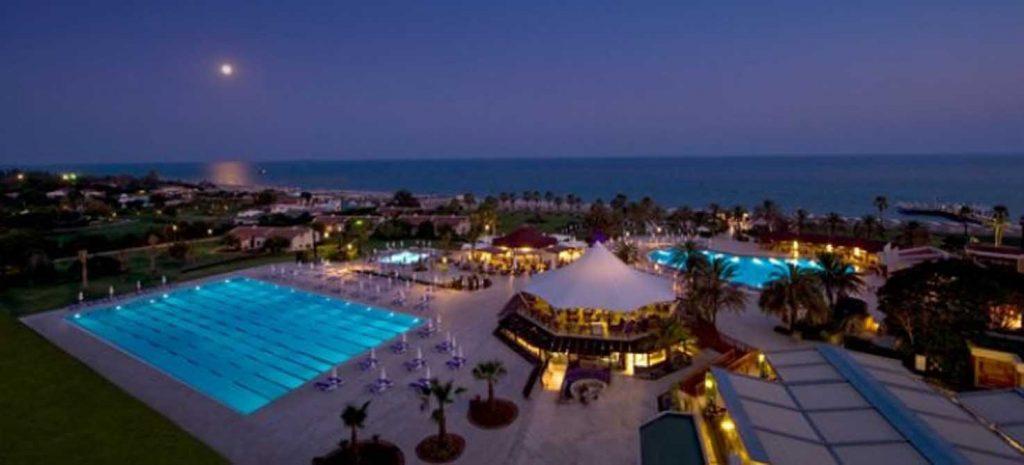 https://golftravelpeople.com/wp-content/uploads/2019/04/Sentido-Zeynep-Golf-Spa-Hotel-5-1024x465.jpg