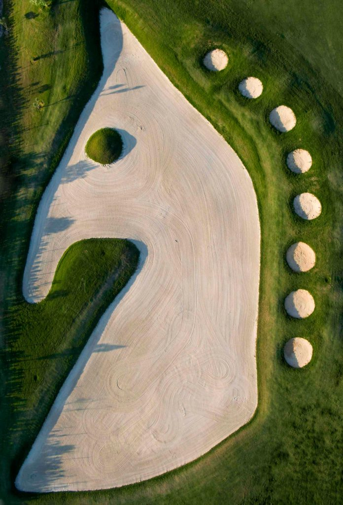 https://golftravelpeople.com/wp-content/uploads/2019/04/Sherry-Golf-Jerez-21-696x1024.jpg