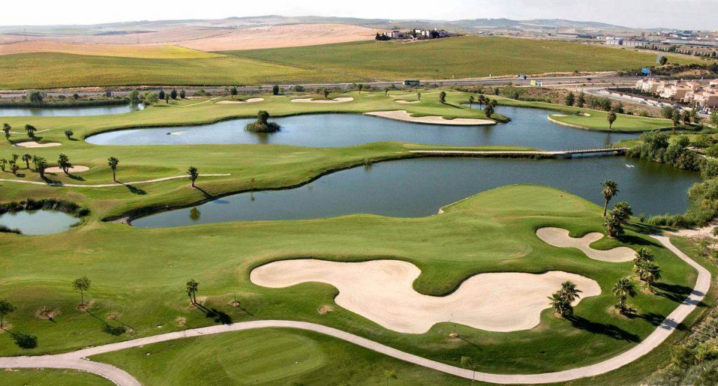 https://golftravelpeople.com/wp-content/uploads/2019/04/Sherry-Golf-Jerez-3-1024x551.jpg
