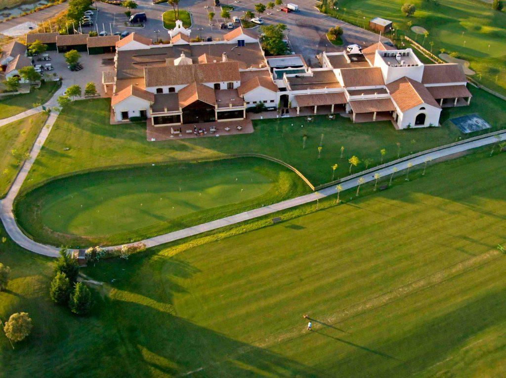 https://golftravelpeople.com/wp-content/uploads/2019/04/Sherry-Golf-Jerez-4-1024x766.jpg