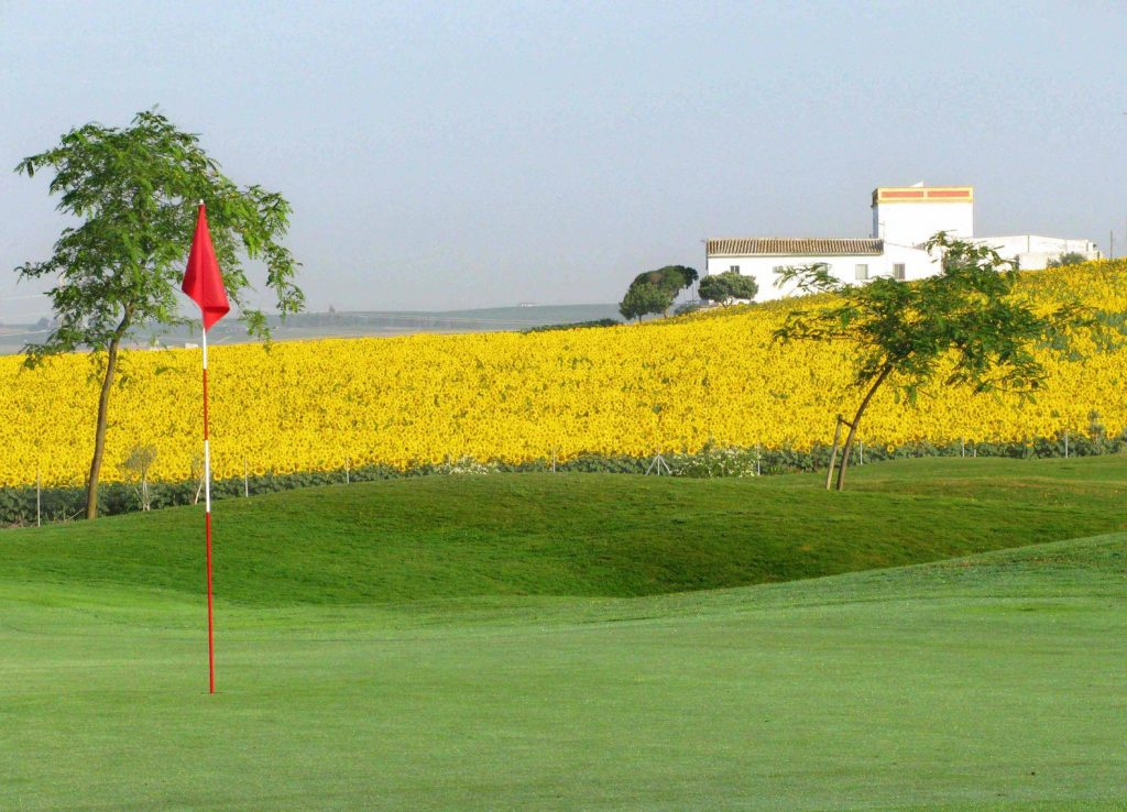 https://golftravelpeople.com/wp-content/uploads/2019/04/Sherry-Golf-Jerez-61-1024x738.jpg